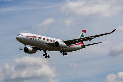 Middle Eastern Airlines Airbus A330 Print by David Pyatt