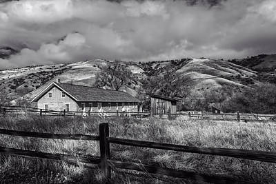 Grapevine Photograph - Old Barracks At Fort Tejon  by Mountain Dreams