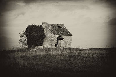 Stone Photograph - Shed by Hugh Smith
