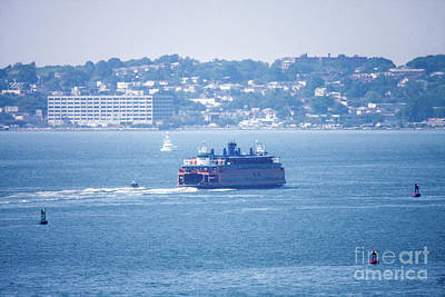 Staten Island Ferry In New York Photograph - Staten Island Ferry by William Rogers