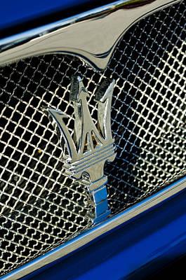 Hoodie Photograph - 2002 Maserati Combiocorsa Spyder Hood Ornament by Jill Reger