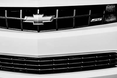Camaro Photograph - 2010 Chevrolet Nickey Camaro Ss Grille Emblem -0078bw by Jill Reger