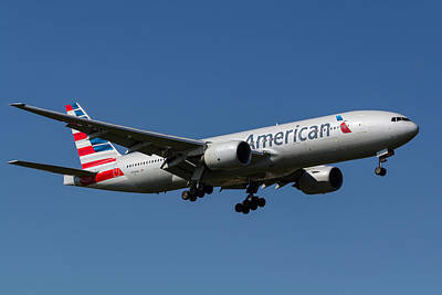 American Airlines Photograph - American Airlines Boeing 777 by David Pyatt