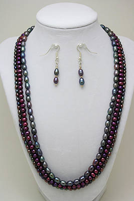 3562 Triple Strand Freshwater Pearl Necklace Set Original by Teresa Mucha