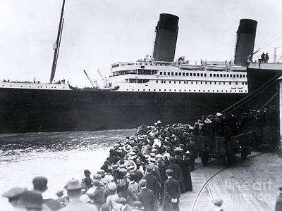 Titanic Leaving Southampton. Print by The Titanic Project