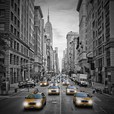 Streetscenes Photograph - 5th Nyc Avenue Yellow Cabs by Melanie Viola