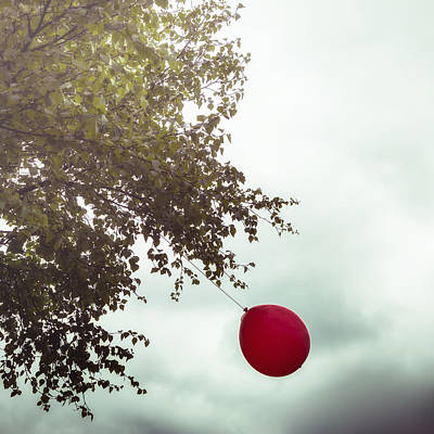 Red Balloons Photograph - Red Balloon by Joana Kruse