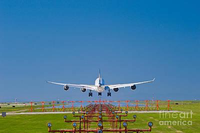 A340 Landing Original by David Nunuk