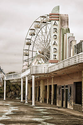 Abandoned Arcade And Ferris Wheel Print by Andy Crawford