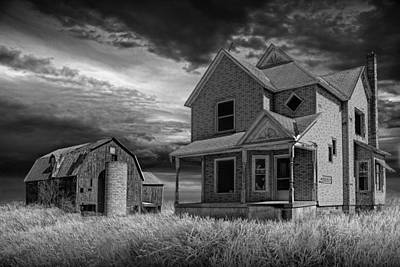 Abandoned Farm At Sunset In Black And White Print by Randall Nyhof