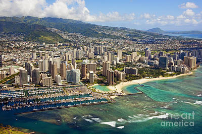 Aerial Of Honolulu Print by Ron Dahlquist - Printscapes
