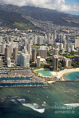 Aerial Of Waikiki Print by Ron Dahlquist - Printscapes
