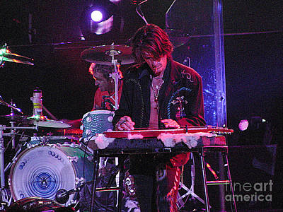 Concert Photograph - Aerosmith-joe Perry-00122 by Gary Gingrich Galleries