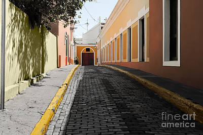 El Morro Photograph - Alley In The Old City Of San Juan, Puerto Rico. by Dani Prints and Images