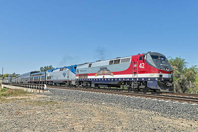 Locomotives Photograph - Amtrak 42  Veteran's Special by Jim Thompson