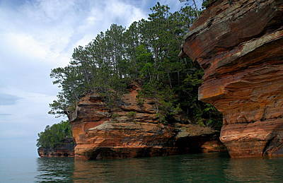 Rugged Coastline Photograph - Apostle Islands National Lakeshore by Larry Ricker