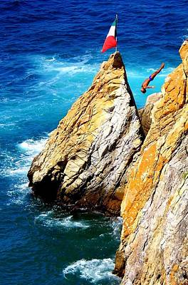 Acapulco Photograph - Arch Of A Diver by Karen Wiles