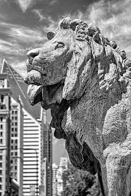 Art Institute In Chicago Lion Black And White Print by Christopher Arndt