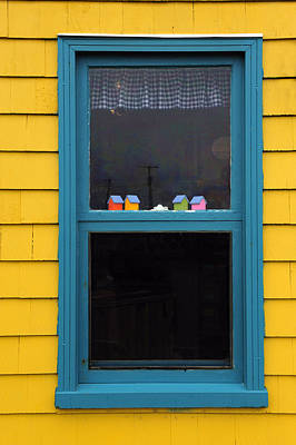 Quebec Houses Photograph - Artisan's Window by Tony Beck