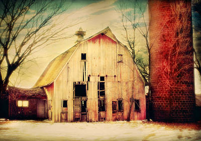 Swallow Digital Art - Barn And Silo by Julie Hamilton