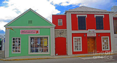 Photograph - Bermuda Green And Red Facades by Rich Walter