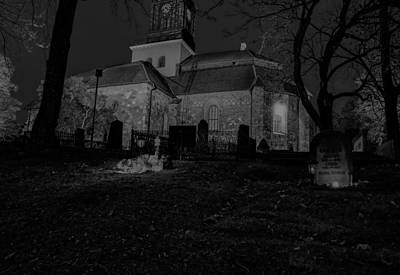 Blavk And White Photograph - Black And White By Night 2 by Leif Sohlman
