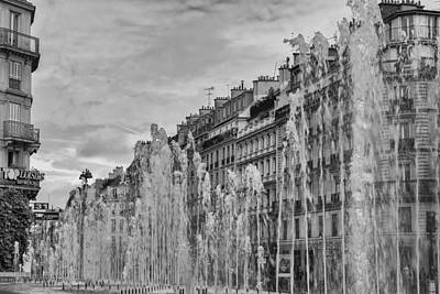 Paris Surreal Parks Photograph - Black And White Fountains In Paris by Georgia Fowler