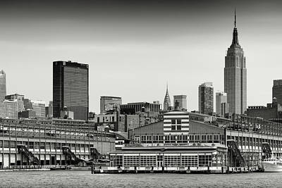 Nyc Photograph - Black And White Photography - New York Skyline by Alexander Voss