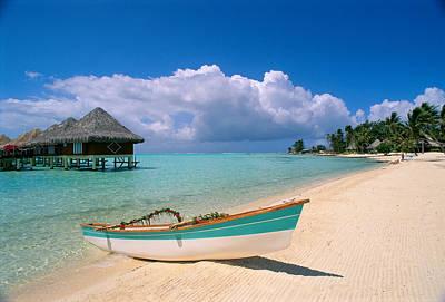 Photograph - Bora Bora, Hotel Moana by Greg Vaughn - Printscapes