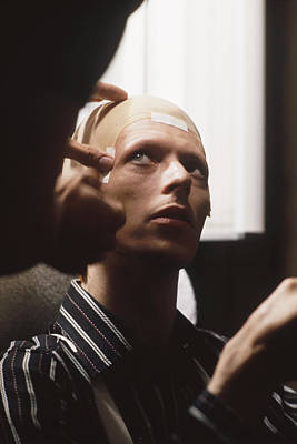 On-stage Photograph - Bowie Behind The Scenes  by Terry O'Neill
