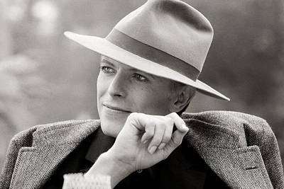 Portrait Photograph - Bowie Off Set 'the Man Who Fell To Earth by Terry O'Neill