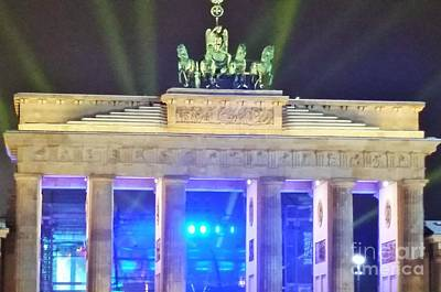 Berlin Germany Painting - Brandenburger Tor Nye by Roxane Gabriel