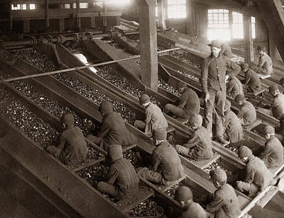 Wyoming Photograph - Breaker Boys Lehigh Valley Coal Co Maltby Pa Near Swoyersville Pa Early 1900s by Arthur Miller