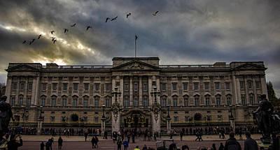 Buckingham Palace Photograph - Buckingham Palace by Martin Newman