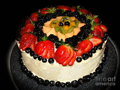 Cake Decorated With Fresh Fruit Print by Sue Melvin