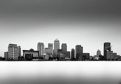 Canary Wharf Skyline Print by Ivo Kerssemakers