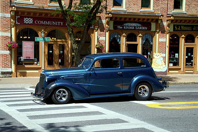 Cars Crusing In Skaneateles New York 04 Print by Thomas Woolworth