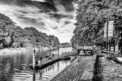 Photograph - Castle Water Bus Stop 2 Mono by Steve Purnell