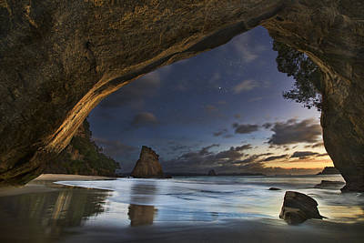 Cathedral Cove Print by Yan Zhang