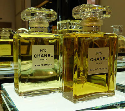 Chanel No 5  Print by To-Tam Gerwe