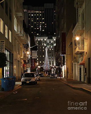 Christmas Eve 2009 On Maiden Lane Print by Wingsdomain Art and Photography