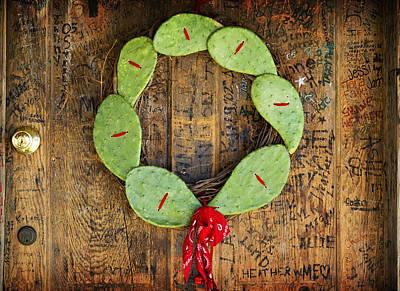 Luckenbach Photograph - Christmas Wreath by John Gusky
