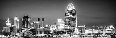 Ohio River Landscapes Photograph - Cincinnati Skyline Panorama Picture by Paul Velgos