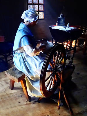 Benches Photograph - Colonial Woman Spinning by Susan Savad