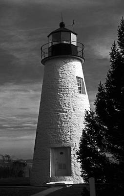 Concord Point Lighthouse Md Print by Skip Willits