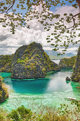 Philippines Photograph - Coron Lagoon by MotHaiBaPhoto Prints
