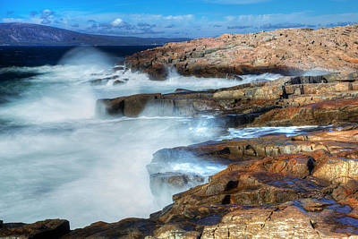 Down East Maine Photograph - Crashing Waves by Tom Weisbrook