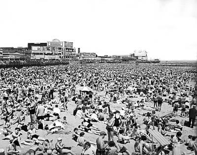 Crowds At Coney Island Beach Print by Underwood & Underwood