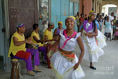 Cuban Band Los 4 Vientos And Dancers Entertaining People In The Street In Havana Print by Sami Sarkis