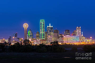Skylines Photograph - Dallas Night  by Tod and Cynthia Grubbs